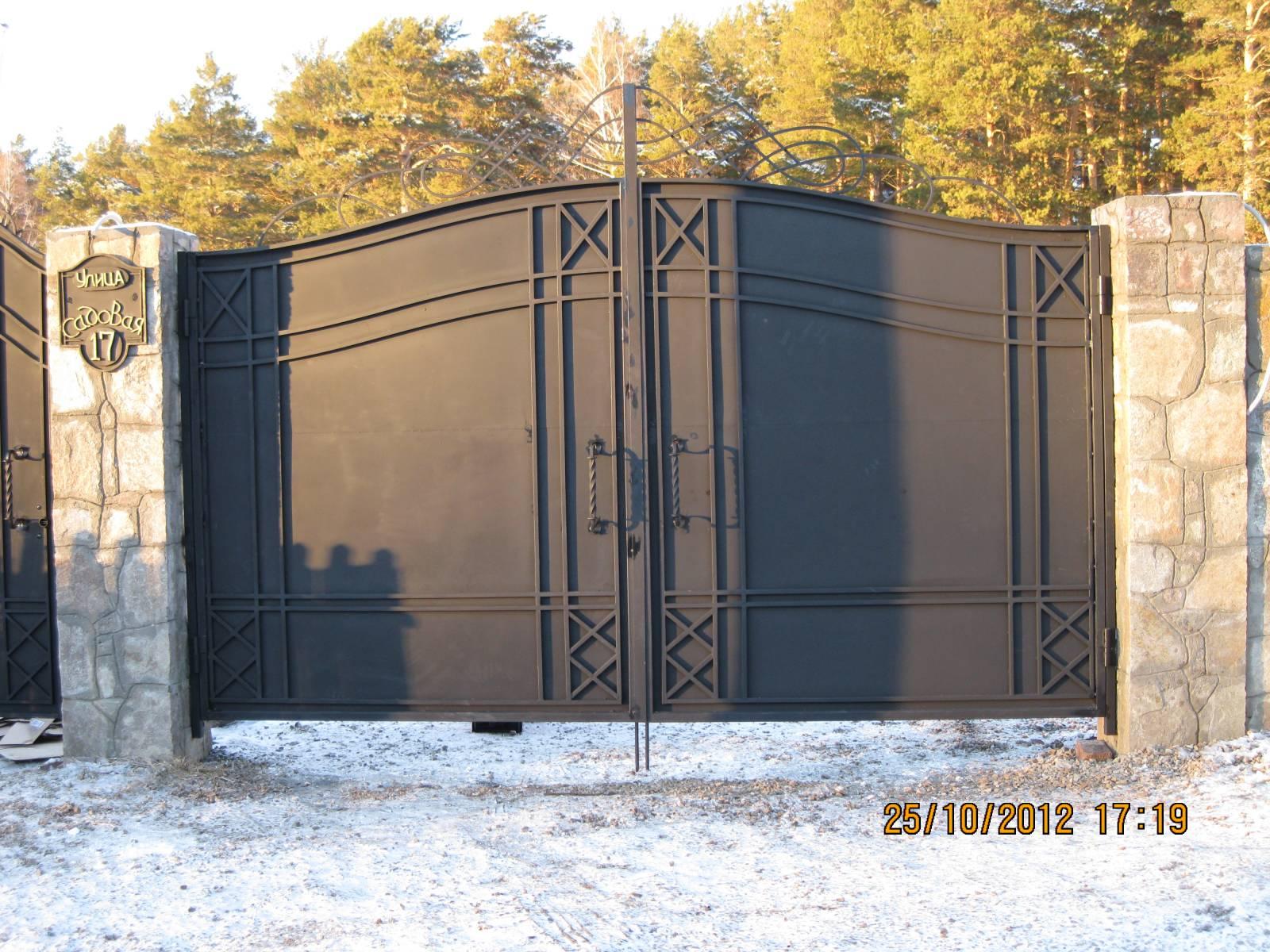 Ворота глухие с элементами автоматические ворота soon